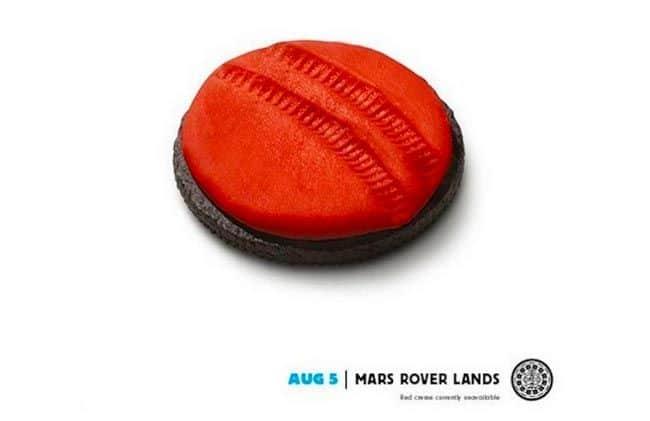 Oreo celebrates the Mars rover landing on Facebook.