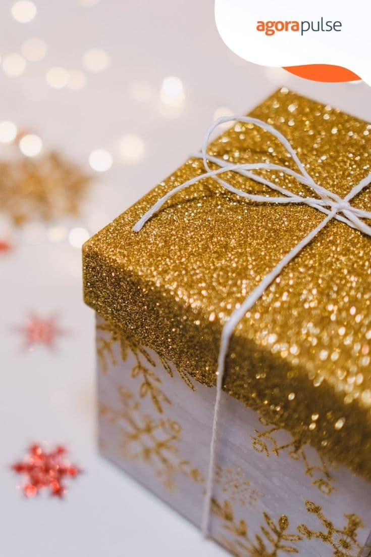 Social Media Tips for the Holiday Season: How to Prepare for It