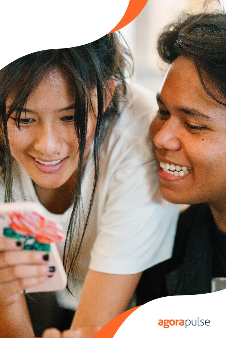 How to Use Social Media to Keep Students Engaged and Excited About College