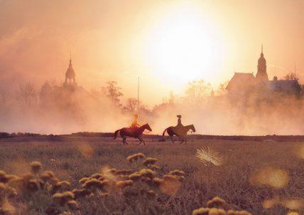 personnes montant à cheval